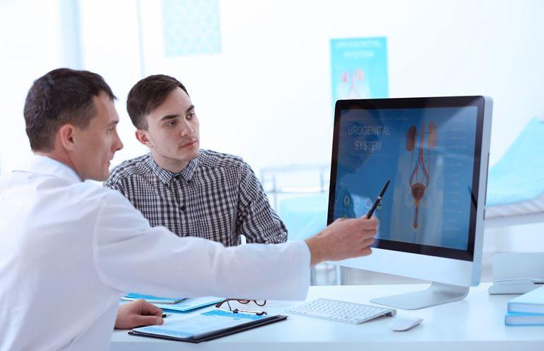 Уролог в Москве: цены, запись на прием к врачу урологу в клиниках ...